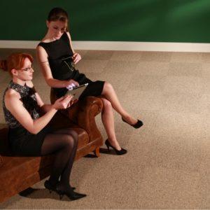 Ambiente com Carpete em Placas Colorstone