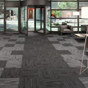 Ambiente com Carpete em Placas Entrada