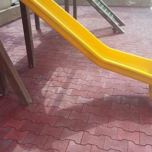 Playground com Piso de Borracha Ossinho