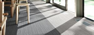 Ambiente com Carpete em Placa DESSO - Airmaster