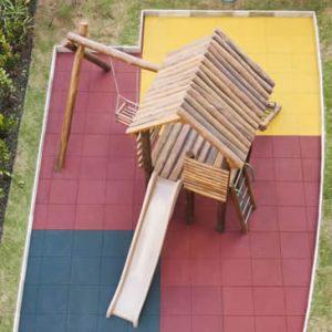 Playground com piso de Borracha