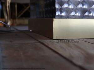 Ambiente com Rodapé de Polestireno Aluminium