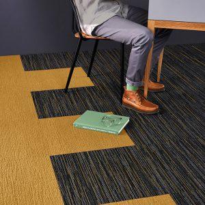 Ambiente com Carpete em Placas Belgotex Fringe 1