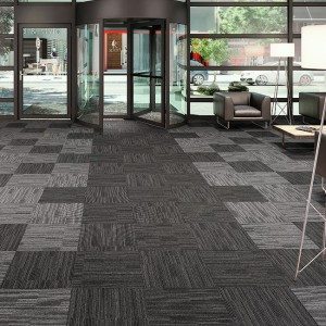 Ambiente com Carpete em Placa Entrada