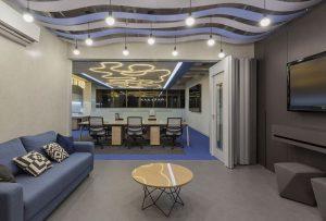 Ambiente com Piso Vinílico Tarkett em Régua Ambienta Square Coleção Acoustic 24560032
