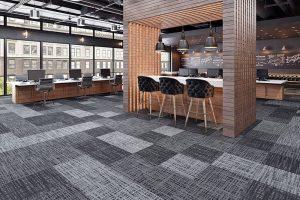 Ambiente com Carpete em Placas 3 Tonos